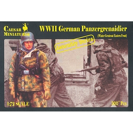 1/72 WWII German Panzergrenadier Winter Greatcoat E. Front Box (Caesar)